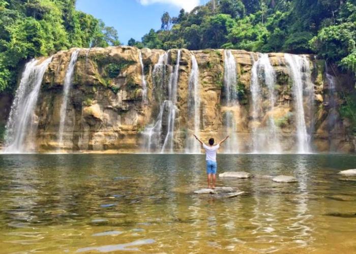Solo Travel Guide to Surigao Del Sur: River, Falls and the Sea!