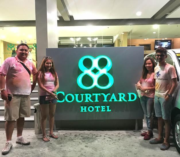 88 courtyard hotel facade