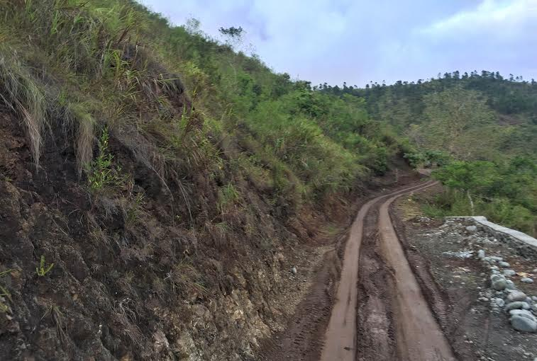 The road to buscalan village
