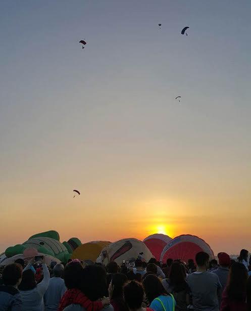 sunrise skydiving