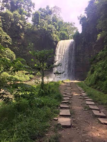 Hikong Alo Falls