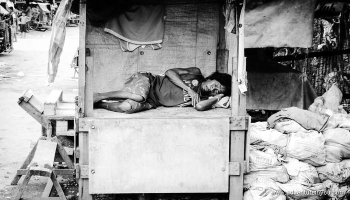 Beggar in Manila