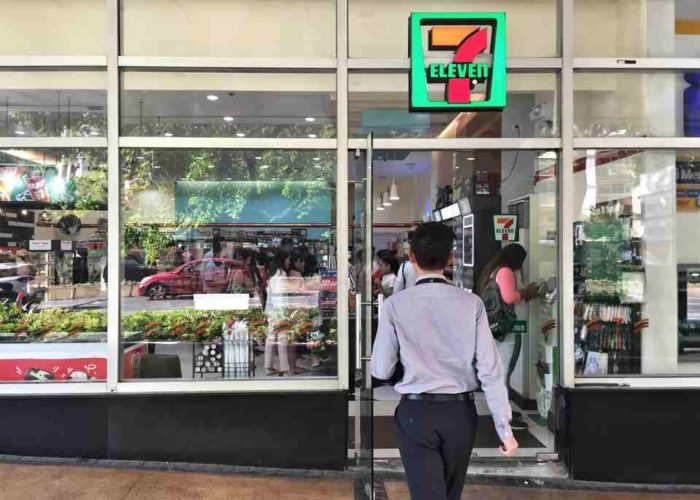 Pay Your Traveloka Bookings at Any 7-Eleven Store Near You